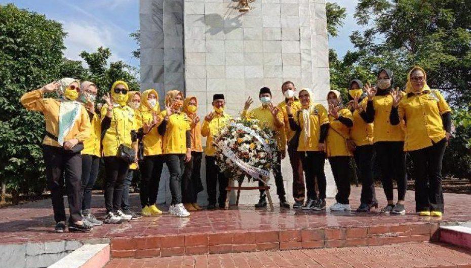Hut Golkar 56 Tahun,  DPD ll Ziarah Ke Makam Pahlawan
