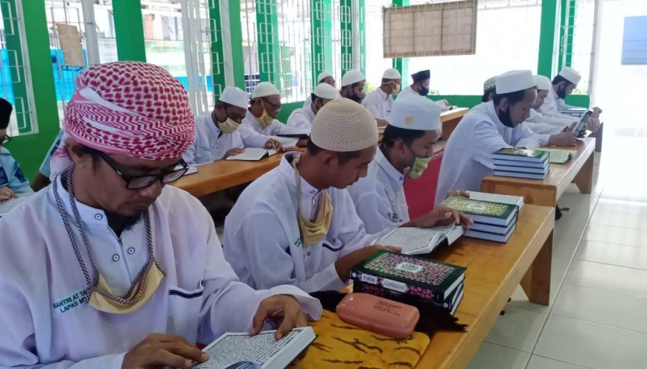 Ponpes At Taubah Lapas Metro Gelar Khotmil Qur'an