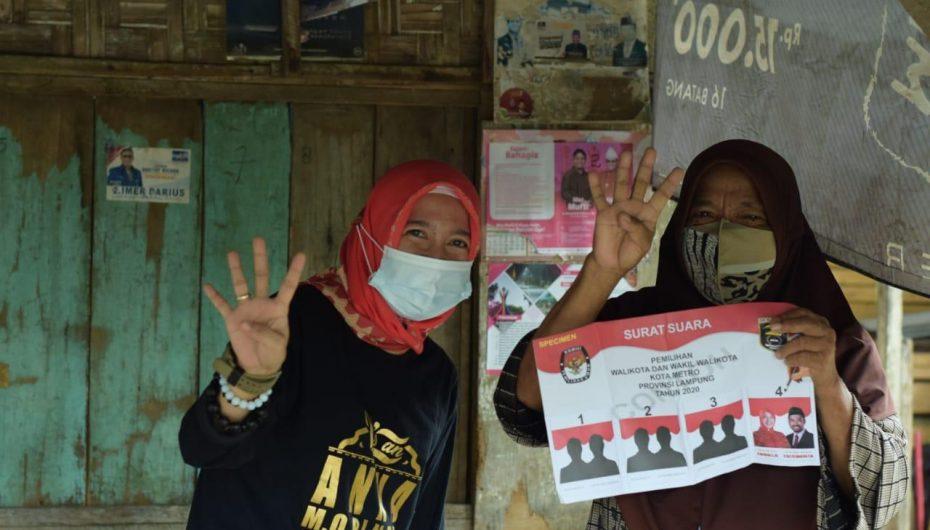 Masuk Gang kecil, Anna Morinda Sosialisasikan Simulasi Kertas Suara