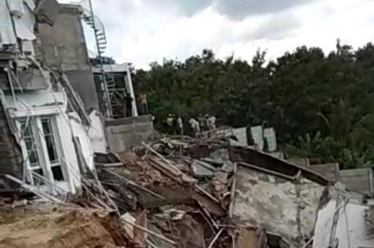 Dua Rumah Mewah Ambruk, Pihak Citraland Janji Ganti Rugi  Konsumen