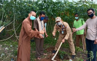 Dukung Program Bupati, Camat Tulang Bawang Tengah Launching Program TBT BUMI Q