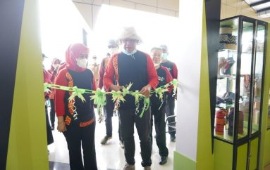 Bupati TUBABA Launching Pusat Oleh-oleh di KM 215 Tol Trans Sumatera