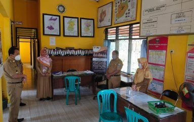 Pastikan Pelayanan Kelurahan Berjalan Lancar Walikota Metro Datangi Kelurahan Yosomulyo