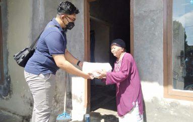 Trader Kampungan Bagikan 600 Bingkisan Lebaran di 5 Kecamatan di Kota Metro