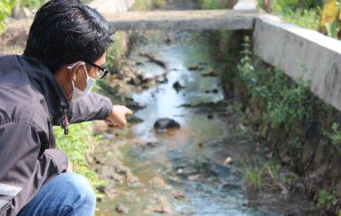 Limbah Solar Diduga Cemari Anak Sungai Metro Timur