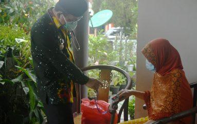 Wahdi Pantau Pasien Covid-19 yang Isoman di Kelurahan Tejoagung