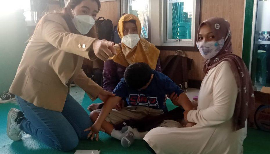 Mandiri, Komunitas Dan TNI Kolaborasi Siapkan Sepatu Serta Terapi Disabilitas