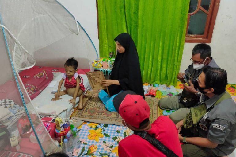 TPI Donasikan Bantuan Untuk Bocah Penderita Thalasemia